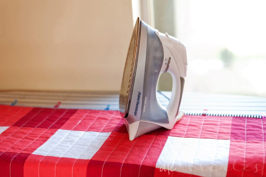 Glue Basted Quilt Binding-A Quick Tutorial