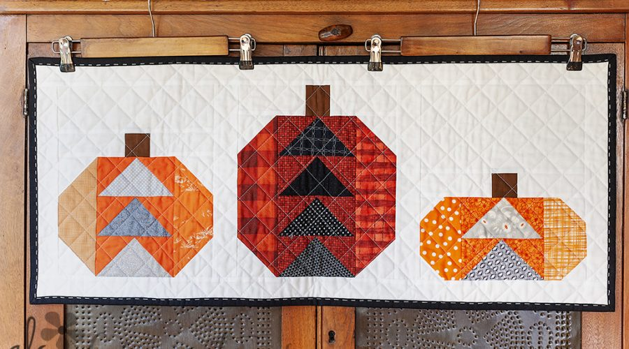 Fall Pumpkins Mini Quilts with fabric inspiration and ideas